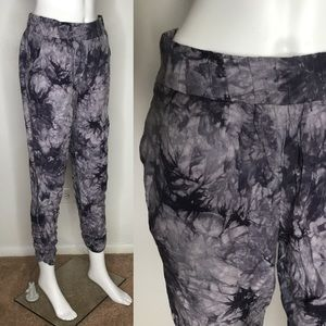 Forever 21 Purple Tie Dye Summer Pants Medium
